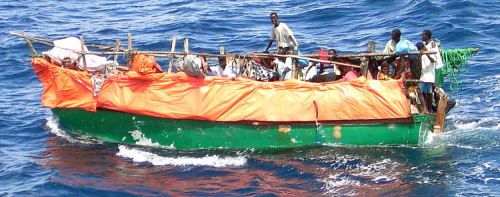 https://www.literaturportal-bayern.de/images/lpbblogs/autorblog/2017/klein/1280px-Somali_refugee_boat.jpg
