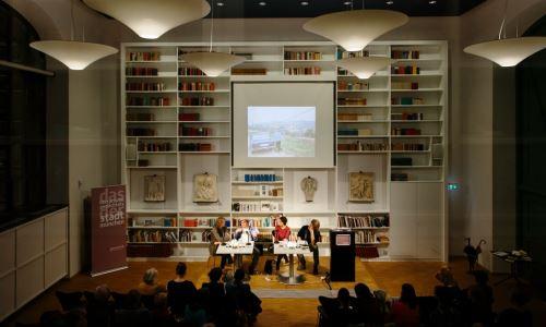 https://www.literaturportal-bayern.de/images/lpbblogs/autorblog/2018/Kathrein1_k.jpg