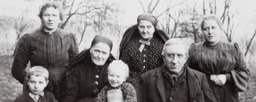 https://www.literaturportal-bayern.de/images/lpbblogs/emerenz_familie_200.jpg