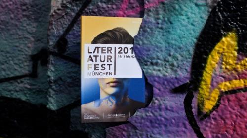 https://www.literaturportal-bayern.de/images/lpbblogs/instblog/2018/klein/Literaturfest2018_c_Juliana_Krohn1k.jpg