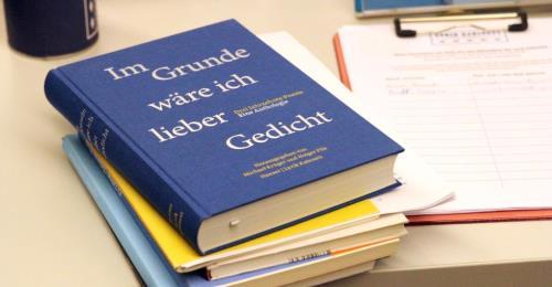 https://www.literaturportal-bayern.de/images/lpbblogs/instblog/2019/klein/Die_neue_Anthologie_500.jpg