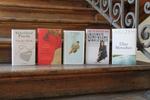 https://www.literaturportal-bayern.de/images/lpbblogs/instblog/2021/klein/bayerischer_buchpreis_2021_publikumspreis_dach500.jpg