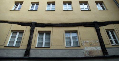 https://www.literaturportal-bayern.de/images/lpbblogs/loge/klein/loge395_kreuz_500.jpg