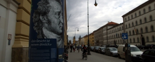 https://www.literaturportal-bayern.de/images/lpbblogs/loge131_saeule1_500.jpg