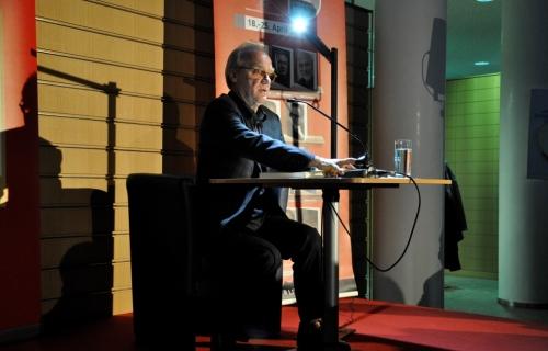 https://www.literaturportal-bayern.de/images/lpbblogs/redaktion/2015/klein/Michael_Koehlmeier_Weidener_Literaturtage_2015_1_500.jpg