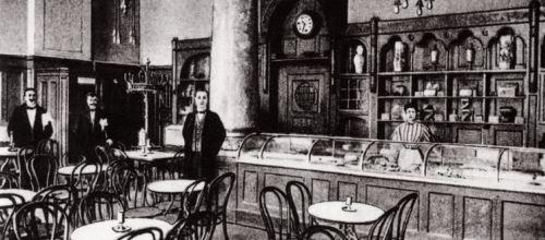 https://www.literaturportal-bayern.de/images/lpbblogs/redaktion/2015/klein/Romanisches_Haus_1908_500.jpg
