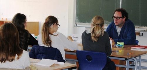 https://www.literaturportal-bayern.de/images/lpbblogs/redaktion/2017/klein/Schule_7_klein.jpg