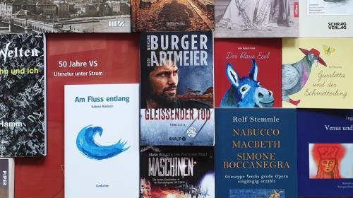 https://www.literaturportal-bayern.de/images/lpbevents/2019/8/NeueBuecher2019_500.jpg