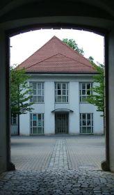 https://www.literaturportal-bayern.de/images/lpbinstitutions/ansb_schlossb_ansicht_164.jpg