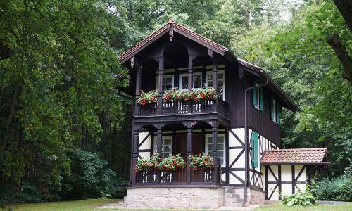 https://www.literaturportal-bayern.de/images/lpbplaces/2016/klein/Goldberghaeuschen_Aufmacher500.jpg