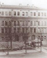 https://www.literaturportal-bayern.de/images/lpbplaces/2019/klein/street_Promenadenplatz_tram_164.jpg