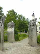 https://www.literaturportal-bayern.de/images/lpbplaces/2020/klein/Skulptur_Rathaus_164.jpg