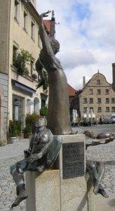 https://www.literaturportal-bayern.de/images/lpbplaces/fuerth_gauklerbrunnen_wikifree_164.jpg