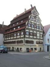 https://www.literaturportal-bayern.de/images/lpbplaces/memm_7daecher_wikifree_164.jpg