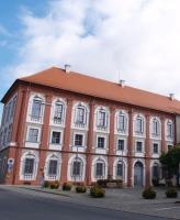 https://www.literaturportal-bayern.de/images/lpbplaces/neustadt_schloss_164.jpg