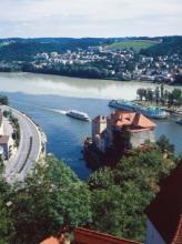 https://www.literaturportal-bayern.de/images/lpbplaces/passau_dreifluesse_passautourismusev_164.jpg