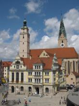 https://www.literaturportal-bayern.de/images/lpbplaces/rathausplatz_tanjakraus_164.jpg