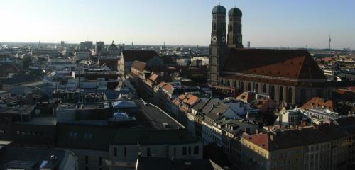 https://www.literaturportal-bayern.de/images/lpbthemes/2014/klein/krimi_3.1Frauenkirche_FK_500.jpg