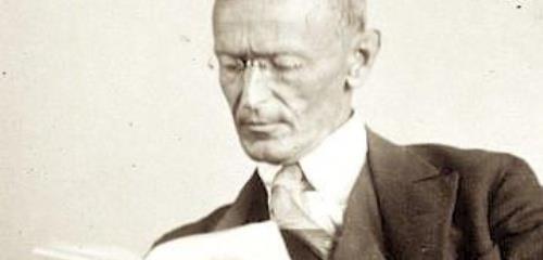 https://www.literaturportal-bayern.de/images/lpbthemes/2014/klein/liebespaare_Hermann_Hesse_1927_Photo_Gret_Widmann_500.jpg