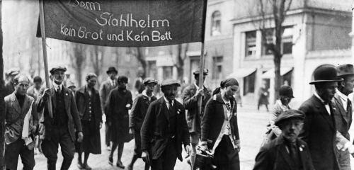 https://www.literaturportal-bayern.de/images/lpbthemes/2014/klein/rebell_hoff-5127_240.jpg