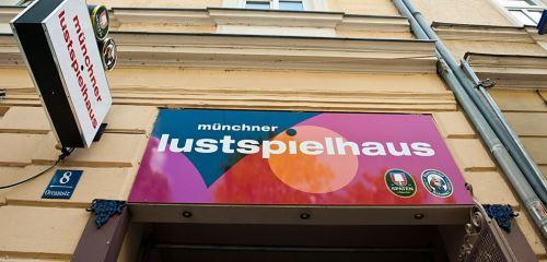 https://www.literaturportal-bayern.de/images/lpbthemes/2015/klein/kaba_CLustspielhaus_500.jpg