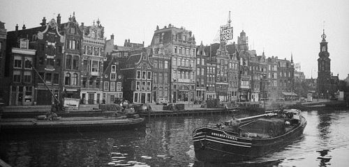 https://www.literaturportal-bayern.de/images/lpbthemes/2018/klein/Canal_at_Singel_Amsterdam_the_Netherlands_500.jpg