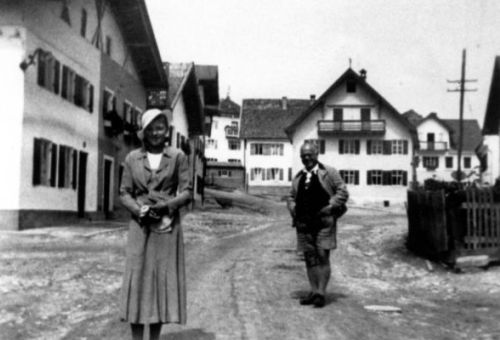 https://www.literaturportal-bayern.de/images/lpbthemes/murnaumenschen003_mon.jpg