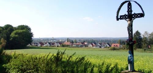 https://www.literaturportal-bayern.de/images/lpbthemes/oberpfalz_wegkreuz_weiden.jpg