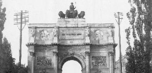https://www.literaturportal-bayern.de/images/lpbthemes/rausch_daudet_siegestor.jpg