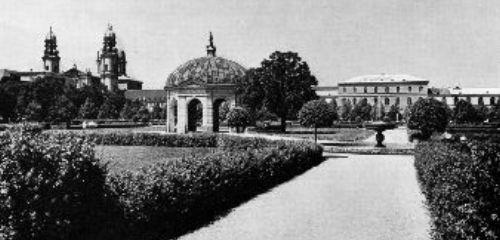 https://www.literaturportal-bayern.de/images/lpbthemes/rausch_nerval_hofgarten.jpg